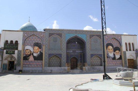 Ali Mosque Minaret : mausoleum attached to Ali mosque