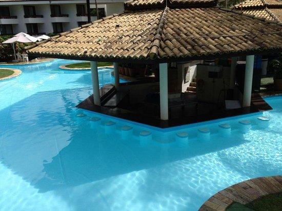 Hotel Transamérica Ilha de Comandatuba: Bar in the pool