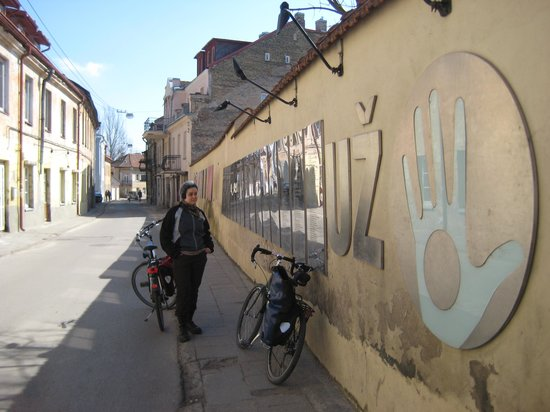 Velo City Vilnius Tours: Užupis Constitution