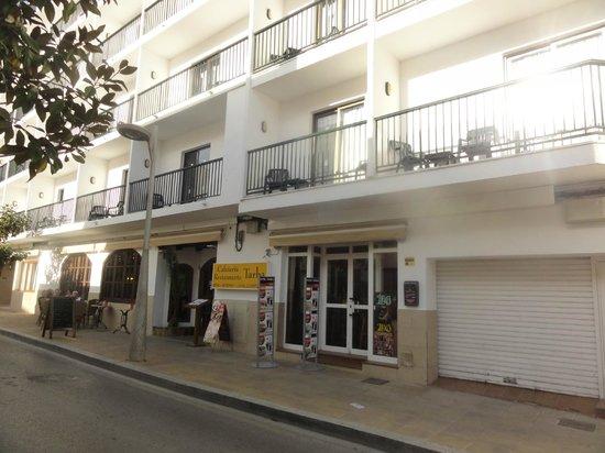Hostal Tarba: hotel