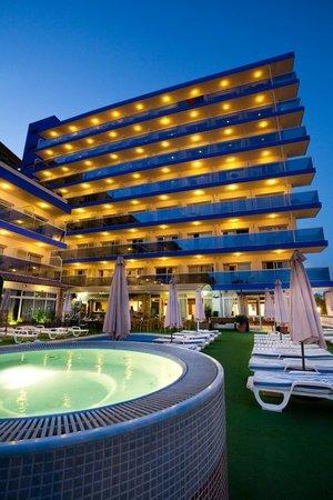 Hotel princesa solar updated 2017 reviews price for Hotel luxury costa del sol torremolinos