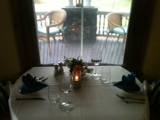 Sea Glass Restaurant At The Castle: Cozy Atmosphere! Perfect for a date!