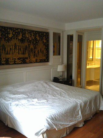 Grande Centre Point Hotel Ratchadamri: Вид на ванную комнату