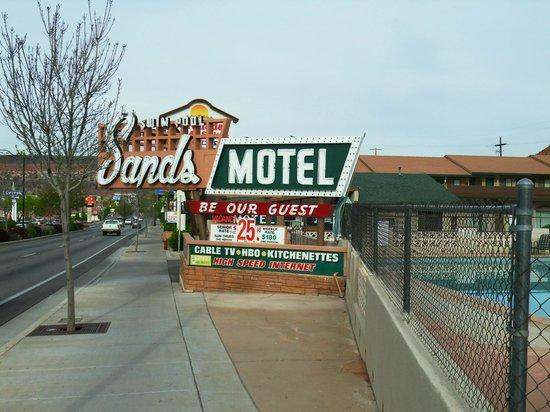Sands Motel: Motel