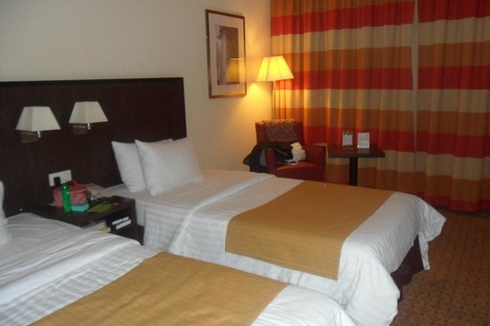 Motel Plus Frankfurt am Main: bed close up