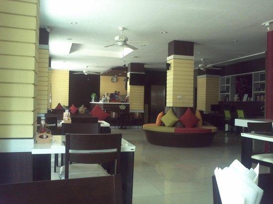 Athome Hotel @Nanai 8 & Thai Kitchen: Reception area