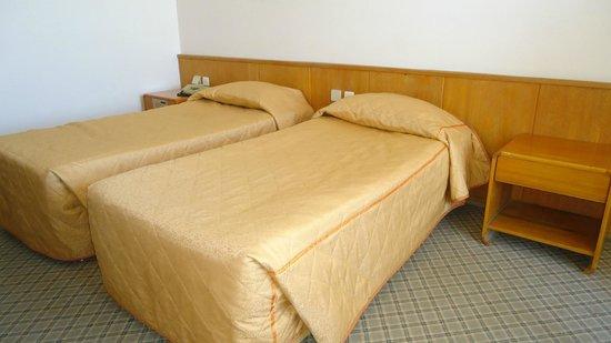 Sozer Hotel: Beds