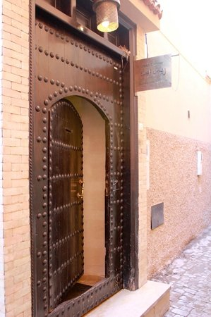 Riad Chayma: Entrance to Riad