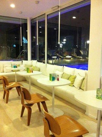 Hotel Select Suites & Spa: Il convivio, design splendido!