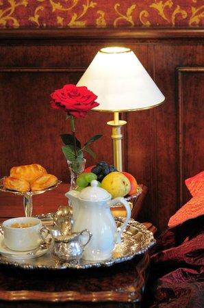 Rowing Hotel (Academia Remigum) : Room service