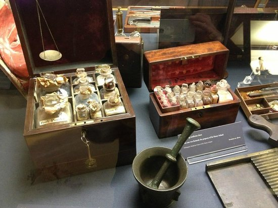 Museum of the History of Science: Medicine chest