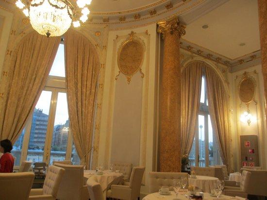 Hotel Maria Cristina, a Luxury Collection Hotel, San Sebastian : 朝食会場