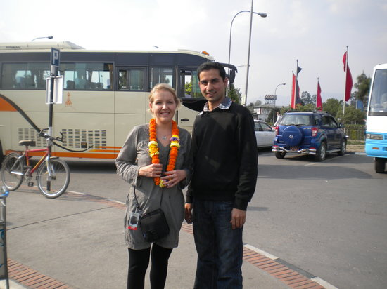 Kathmandu Peace Guest House: Well-come pickup at Airport to our guest