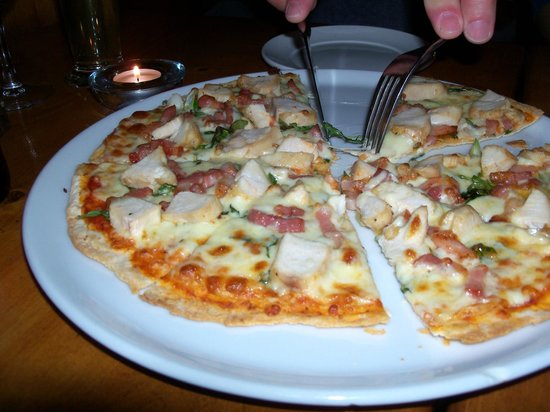 No 35: Chicken pizza with thin crust