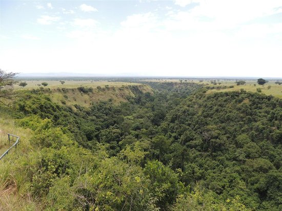 Queen Elizabeth National Park, Uganda: View of the gorge from the visitor centre
