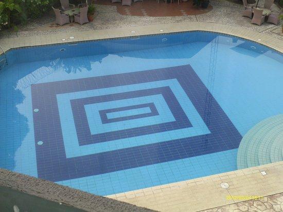 Juanita Hotel: Sparkling clean pool
