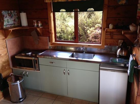 Abel Tasman Ocean View Chalets: Küche