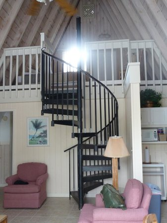 Anchor Inn & Cottages: Loft in the A-frame cottage.  I slept in the upstairs bedroom