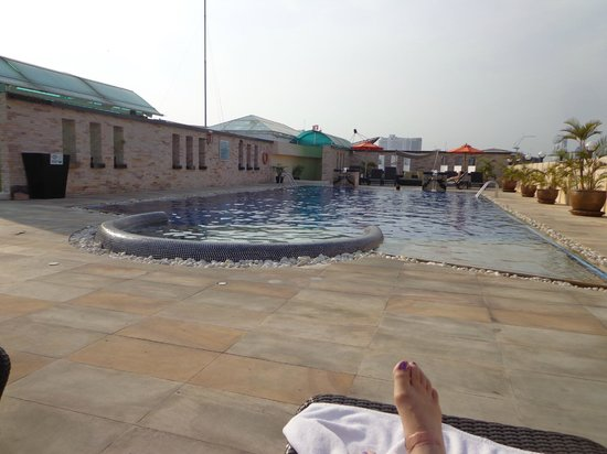 Amari Nova Suites Pattaya: roof top pool during the day