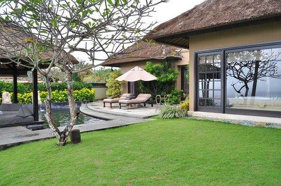 AYANA Resort and Spa: ocean front cliff villa