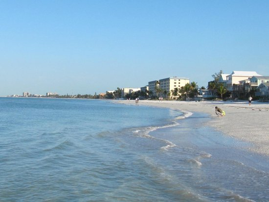 Sandpiper Gulf Resort: Enjoy early morning walk/run along the beach. Sand is firm enough to ride a bike along too!