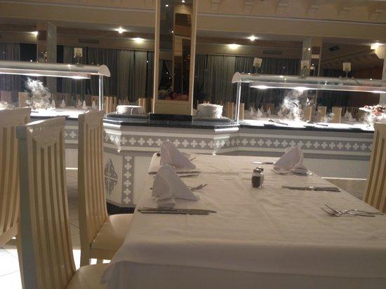 Dessole Abou Sofiane Resort : Lovely hot food