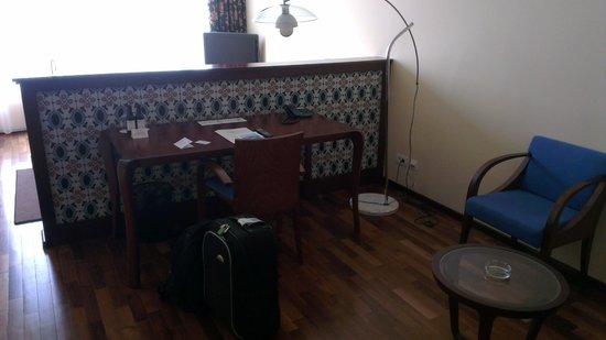 City Plaza Hotel: Desk