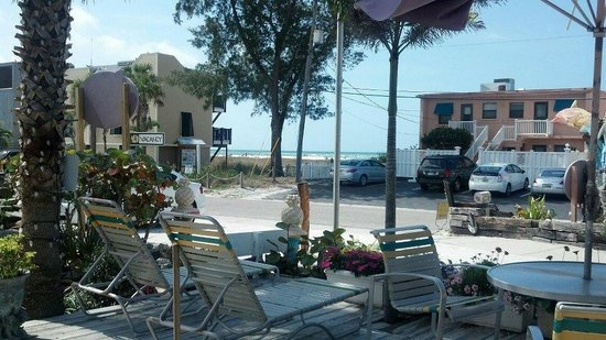 Beachpoint Resort Cottages: View from were we liked to sit at night w.our coffee and King Neptune