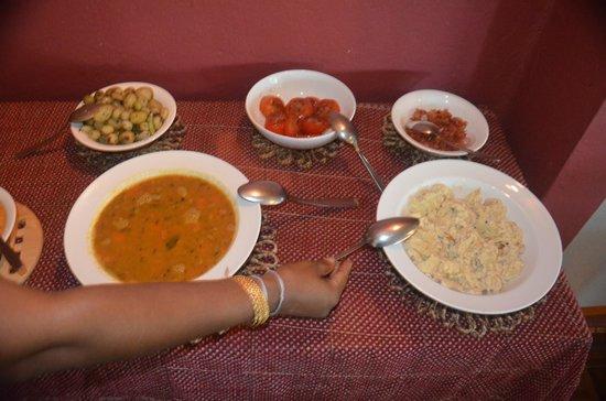 Morawaka Tea Garden Lodge: Some of Kumari's Delicous Delectibles