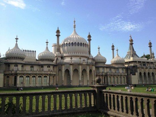 Roots Travel & Tours: Brighton Pavilion