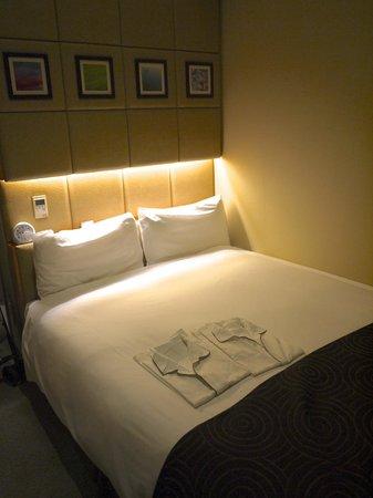 Hotel Sunroute Higashi Shinjuku: bed