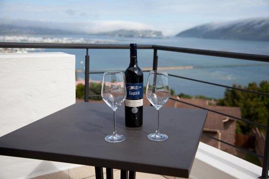 Villa Afrikana Guest Suites: Salute