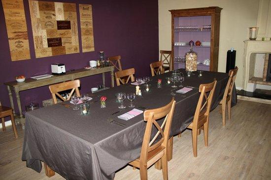 Bleu Raisin Saint Emilion: our dining table