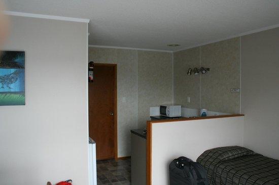 Ala-Moana Motel: Kitchen