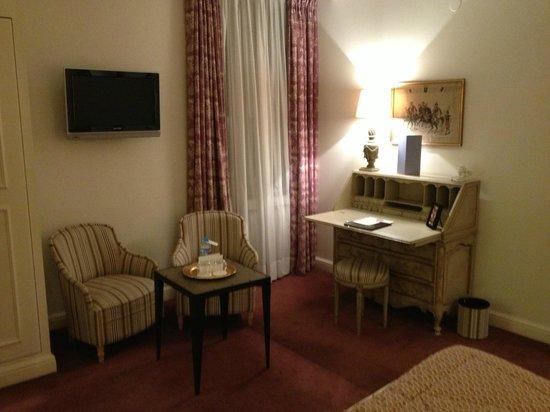 Hotel Villa d'Est: petit salon detente
