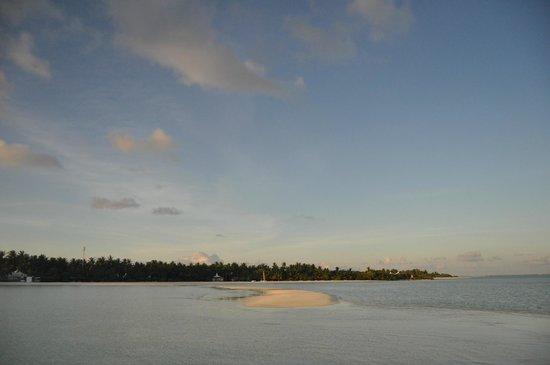 Cinnamon Hakuraa Huraa Maldives: alba