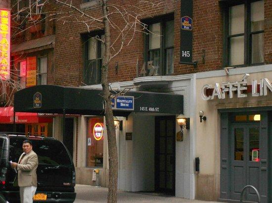 เบสเวสเทิร์นพลัสฮอสปิทาลิตี้เฮาส์: Entrée de l'Hotel Best Western Plus Hospitality House