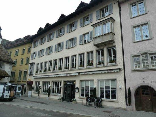 Hotel Kronenhof: External view of hotel