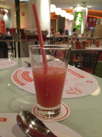HARRIS Hotel & Conventions Kelapa Gading Jakarta: The juice are one of the best you can try (and pricey)