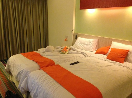 HARRIS Hotel & Conventions Kelapa Gading Jakarta: The beds