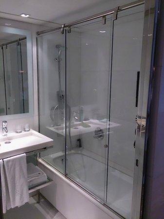 Hotel Granados 83: Baño