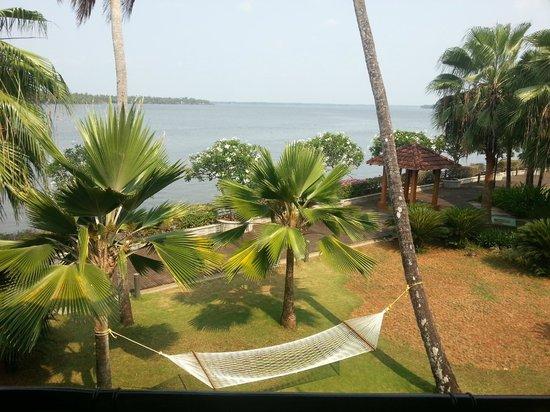 Ramada Resort Cochin: Hammock for reading in...too comfy