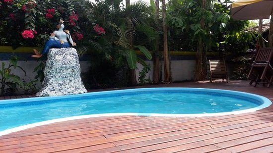 Aos Sinos dos Anjos - Art Hotel: Sirena y Piscina