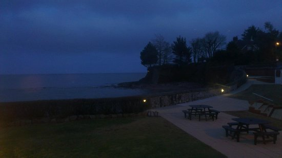 Best Western Livermead Cliff Hotel: dusk, view from bar whilst we ate