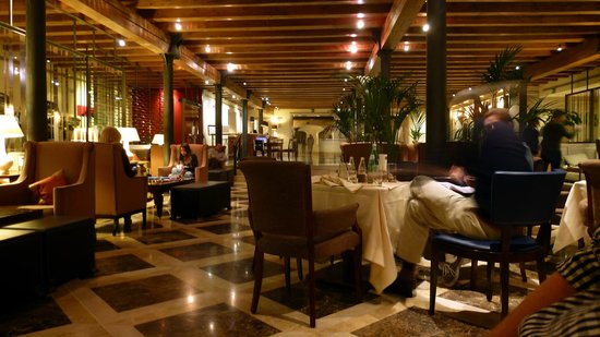 Hilton Molino Stucky Venice Hotel: Bar del Lobby