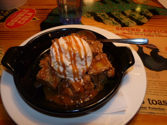 Joe's Crab Shack: Gorgeous Peach Cobbler