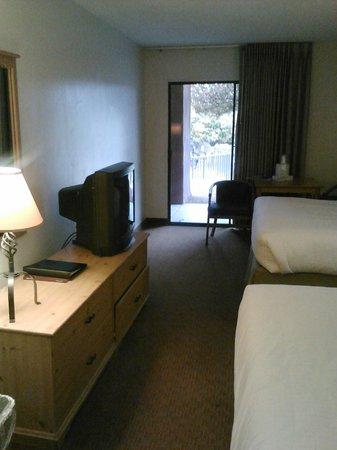 Cliff Castle Casino Hotel: Room 122