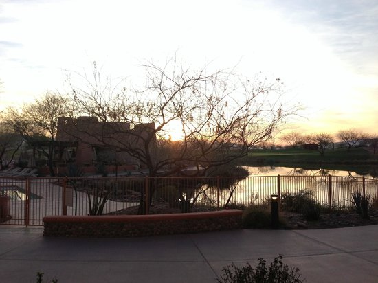 Sheraton Grand at Wild Horse Pass: Sunset from room, pool to left, golf course to right