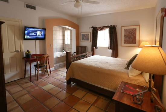 Sierra Grande Lodge & Spa : Down stairs bedroom