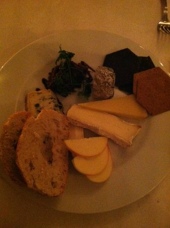 Casanis: Cheese plate